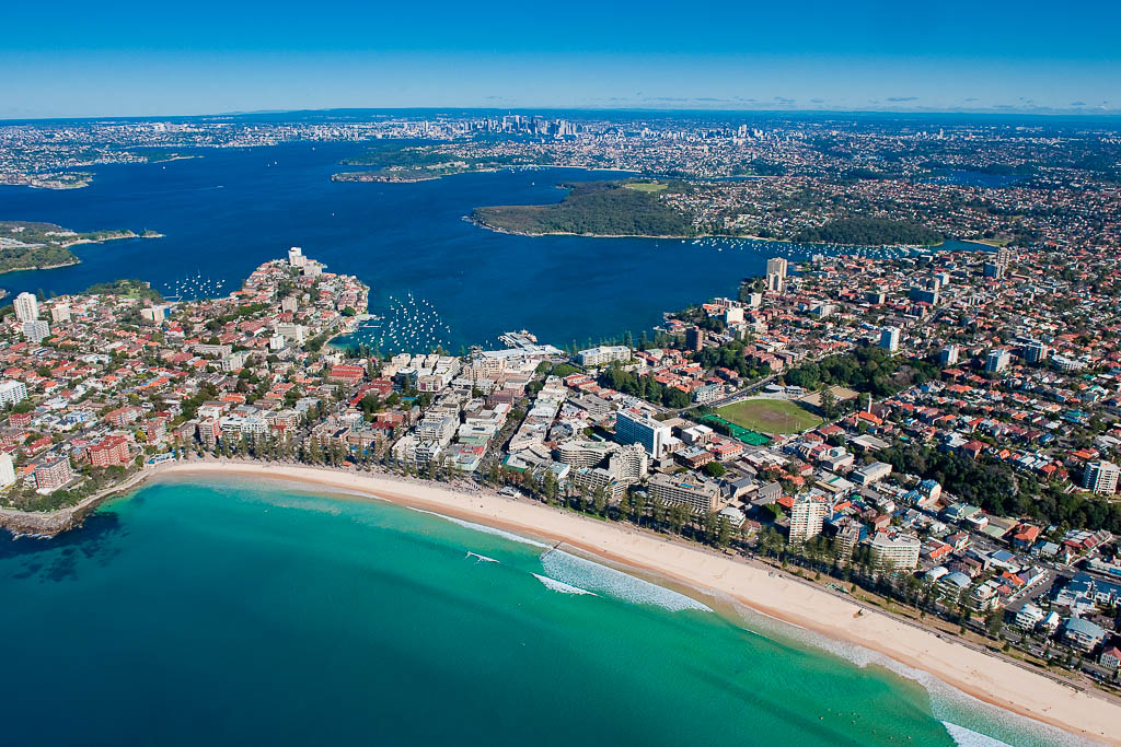 scenic helicopter flight over sydney harbour and sydney northern beaches