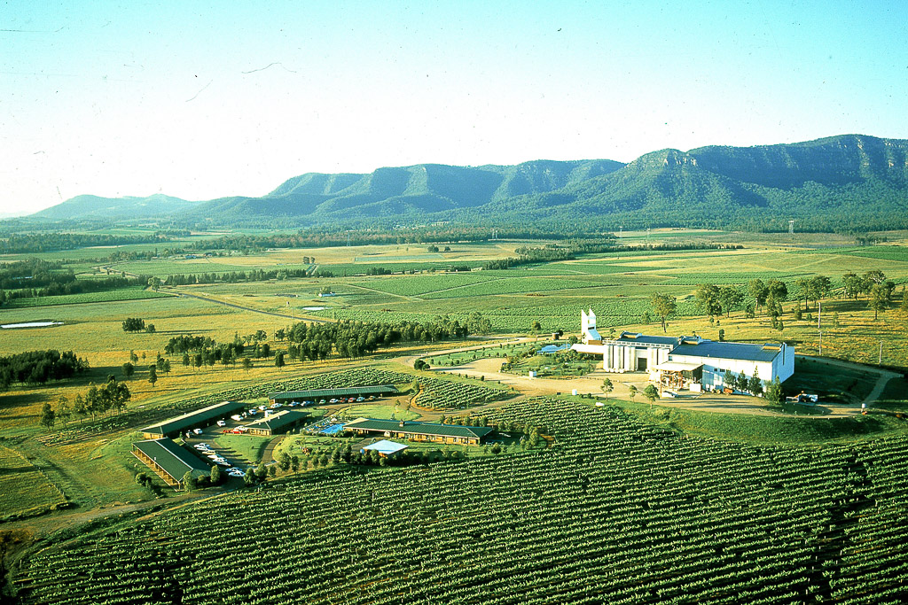 luxury helicopter tour to pubs and hunter valley from sydney airport