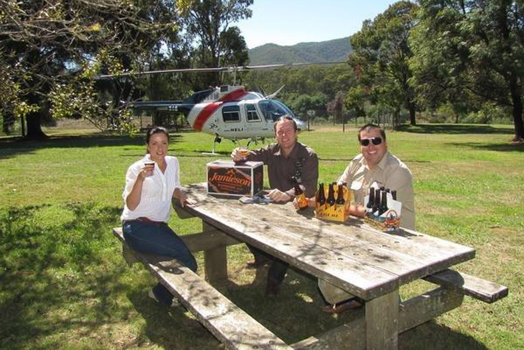 helicopter scenic flight and pub tour from sydney airport