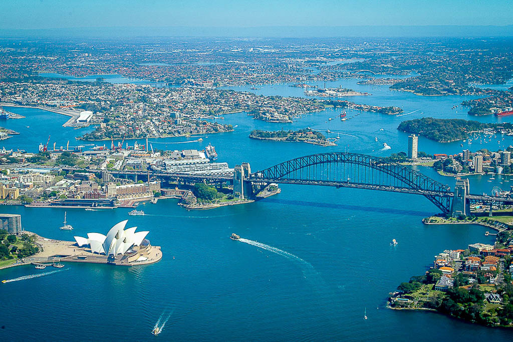 helicopter aerial photography of sydney harbour
